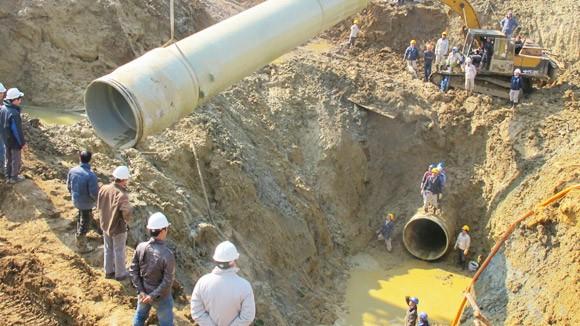 Tháng 9 sẽ triển khai khắc phục đường ống nước sông Đà ảnh 1