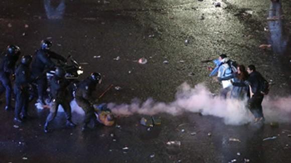 Bạo loạn tại Argentina sau trận chung kết ảnh 1