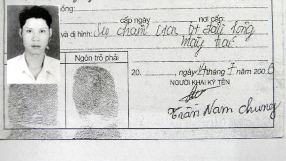Nhận diện kẻ trốn truy nã qua nét chữ trong bộ hồ sơ xin việc ảnh 1