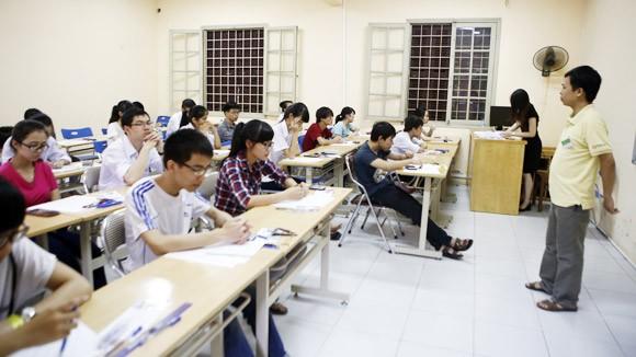 Kỳ thi quốc gia chưa ngấm đến các trường đại học, cao đẳng ảnh 1