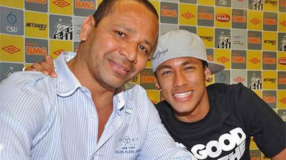 Cha của Neymar phải hầu tòa ảnh 1
