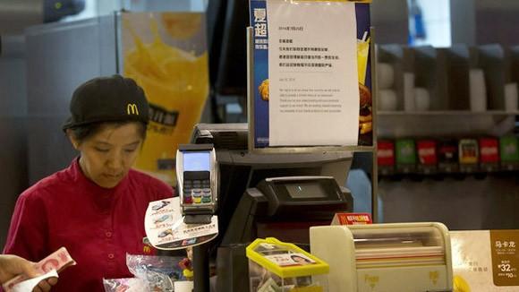 """Thủ đoạn luồn lách thực phẩm """"bẩn"""" ở Trung Quốc ảnh 1"""