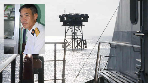 Thầy thuốc hải quân 20 năm bám biển ảnh 1