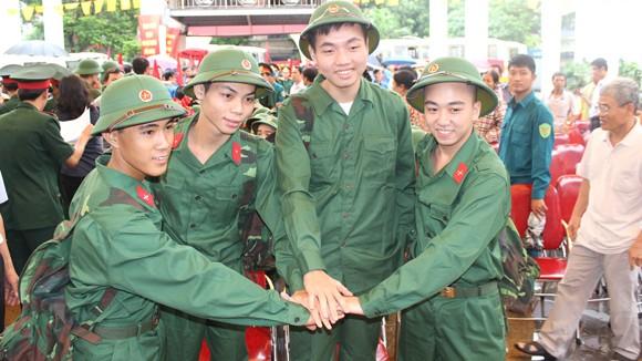 Công chức, viên chức sẽ thực hiện nghĩa vụ quân sự ảnh 1
