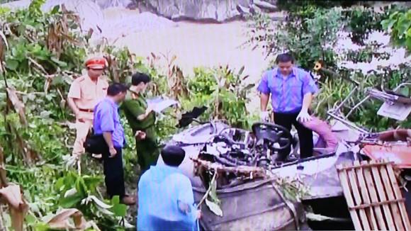 Lái phụ, xe chui gây tai nạn thảm khốc ảnh 1