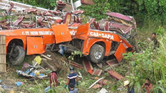 """Tai nạn thảm khốc ở Sa Pa: Hai sở giao thông đều """"vô can""""? ảnh 1"""