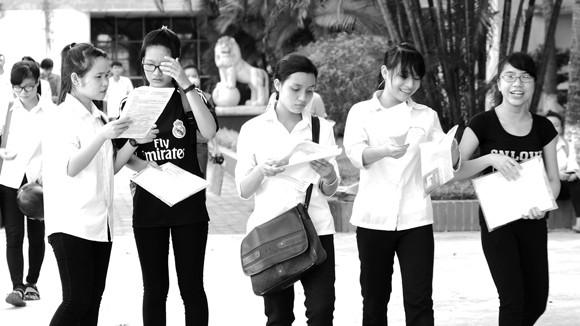 Thí sinh phân vân mất cơ hội xét tuyển đại học nếu chọn cụm thi tại địa phương