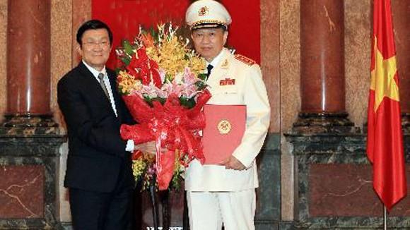 Trao quyết định thăng hàm Thượng tướng cho Thứ trưởng Tô Lâm ảnh 1