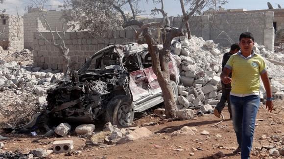 Mỹ không kích nhà máy lọc dầu của IS tại Syria ảnh 1