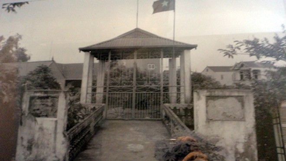 Pháo đài Xuân Canh, nơi đã bắn những loạt đại bác yểm trợ đắc lực cho quân và dân Hà Nội đồng loạt tấn công mở đầu cho cuộc kháng chiến toàn quốc