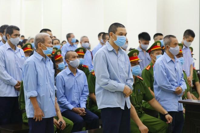 Xét xử vụ án giết người và chống người thi hành công vụ tại xã Đồng Tâm, huyện Mỹ Đức, TP Hà Nội: Các bị cáo xin được khoan hồng và tha thứ ảnh 1