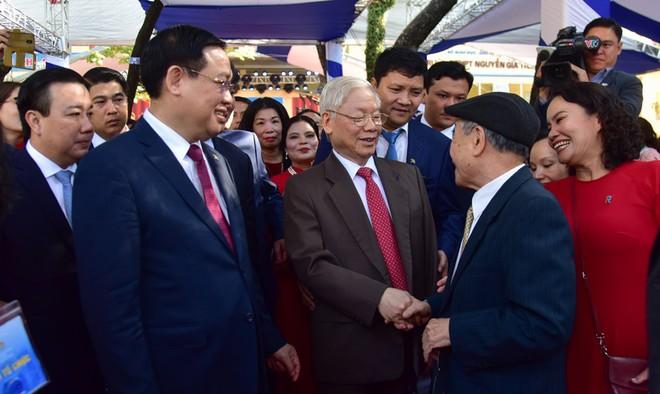 Tổng Bí thư, Chủ tịch nước Nguyễn Phú Trọng dự lễ kỷ niệm 70 năm thành lập Trường THPT Nguyễn Gia Thiều ảnh 1