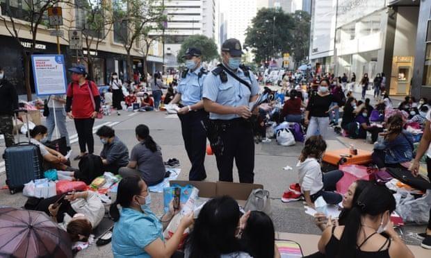Gánh nặng khó chia sẻ của người giúp việc ở Hồng Kông trong đại dịch Covid-19 ảnh 1