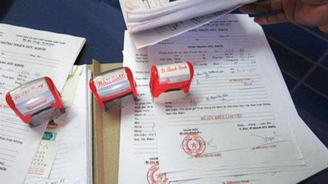 Hành vi mua bán giấy khám sức khỏe giả có thể bị truy cứu trách nhiệm hình sự ảnh 2