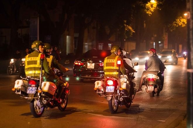 Lực lượng Công an Thủ đô: Đảm bảo an ninh, an toàn để người dân đón Tết Dương lịch 2021 yên vui ảnh 3