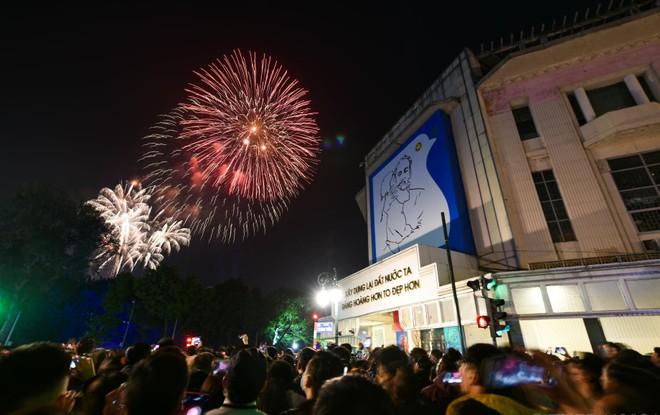 Lực lượng Công an Thủ đô: Đảm bảo an ninh, an toàn để người dân đón Tết Dương lịch 2021 yên vui ảnh 1