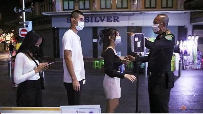 """Thái Lan phát hiện chủng virus """"siêu lây nhiễm"""", áp dụng các biện pháp mạnh tại """"vùng đỏ"""" ảnh 1"""