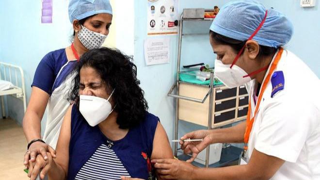 Ấn Độ triển khai chiến dịch tiêm vaccine Covid-19 lớn nhất thế giới ảnh 1