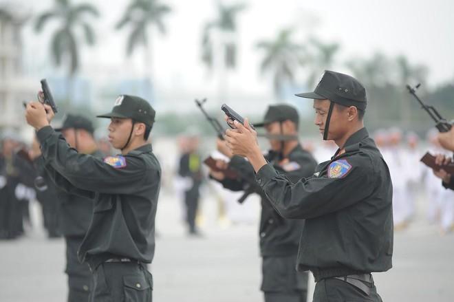 Cảnh sát Cơ động CATP Hà Nội đã bắt giữ gần 1.000 đối tượng trong năm 2020 ảnh 1