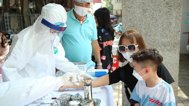 Chuyên gia Malaysia đánh giá cao phương pháp chống dịch của Việt Nam ảnh 1