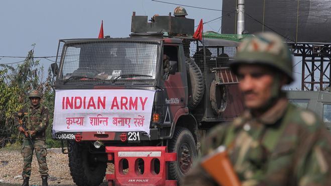 """Nỗi lo """"bom dính"""" đe dọa vùng đất bất ổn Kashmir ảnh 1"""