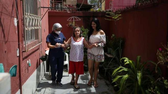 Người nghèo châu Mỹ Latinh bán nhà để trả nợ vì Covid-19 ảnh 1