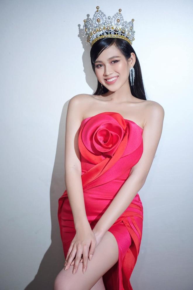 Hoa hậu Việt Nam 2020 Đỗ Thị Hà: Chiếc vương miện luôn nặng theo cả nghĩa đen lẫn nghĩa bóng ảnh 2