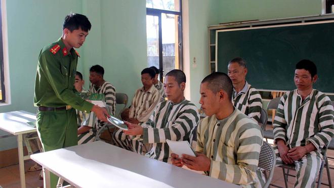 Người bị tạm giam vẫn có thể ký giấy tờ chuyển nhượng nhà đất ảnh 2