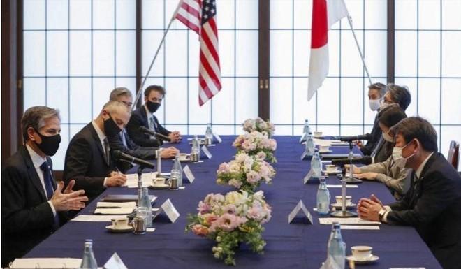 Mỹ - Nhật nhất trí phản đối Trung Quốc nỗ lực thay đổi hiện trạng ở Biển Đông ảnh 1