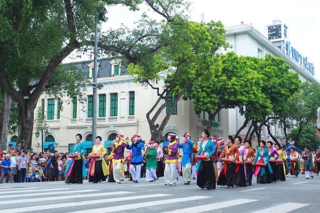 Xây dựng Thủ đô Hà Nội là trung tâm văn hóa lớn của đất nước ảnh 1