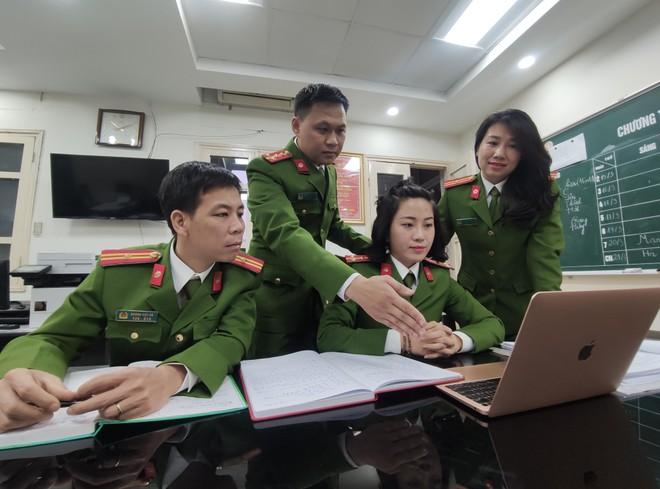 Người chiến sĩ kiên trì đấu trí, lật mặt tội phạm kinh tế tinh vi ảnh 1
