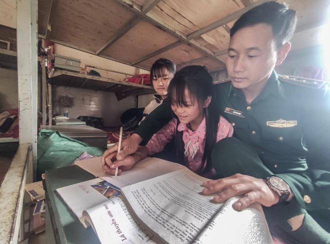 Những đứa con đặc biệt của người lính mang quân hàm xanh ảnh 1
