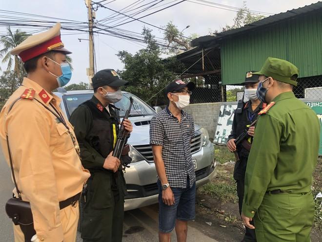 Đưa người nhập cảnh trái phép vào Việt Nam có thể bị xử lý hình sự ảnh 2