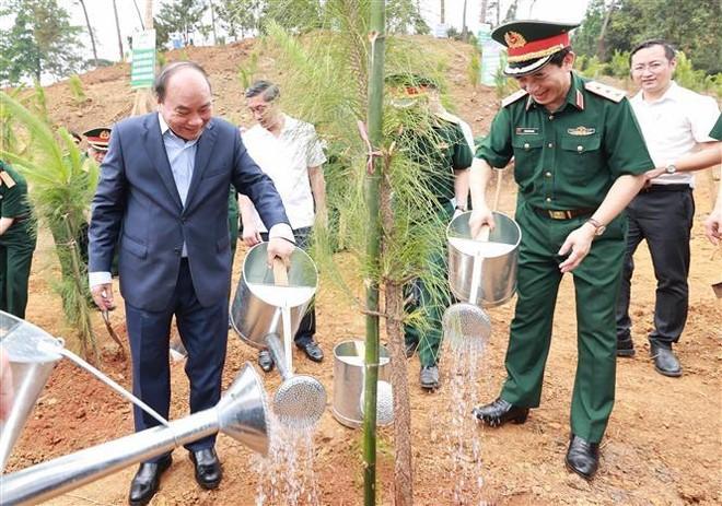 """Chủ tịch nước dự Lễ phát động trồng cây """"Đời đời nhớ ơn Bác Hồ"""" ảnh 1"""
