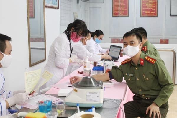 """Chiến dịch """"Những giọt máu hồng - hè 2021"""" đặt mục tiêu tiếp nhận 530.000 đơn vị máu ảnh 1"""
