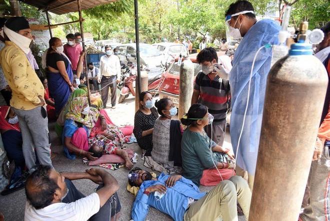 Những câu chuyện nhói lòng từ tâm dịch Ấn Độ ảnh 1