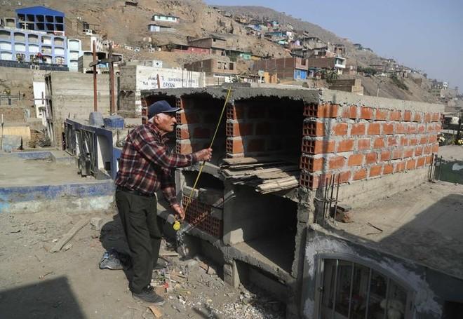Khủng hoảng thiếu đất nghĩa trang trong đại dịch ở Peru ảnh 1