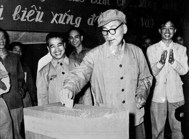"""""""Bác Hồ với Quốc hội Việt Nam"""" - tất cả mục đích đều hướng về nhân dân ảnh 4"""