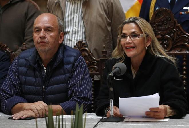 """Cựu """"quan tham"""" Bolivia bị bắt ở Mỹ vì thương vụ mua đạn hơi cay giá cao ảnh 1"""