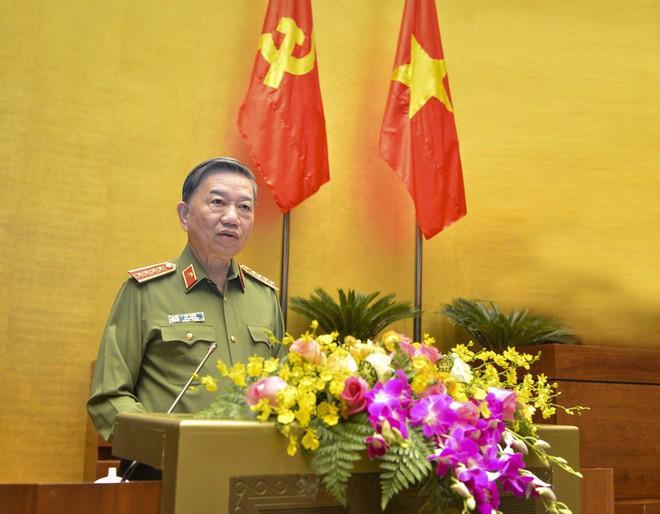 Bộ trưởng Bộ Công an gửi Thư khen các chiến sĩ bảo đảm an ninh, trật tự và phòng chống dịch Covid-19 ảnh 1