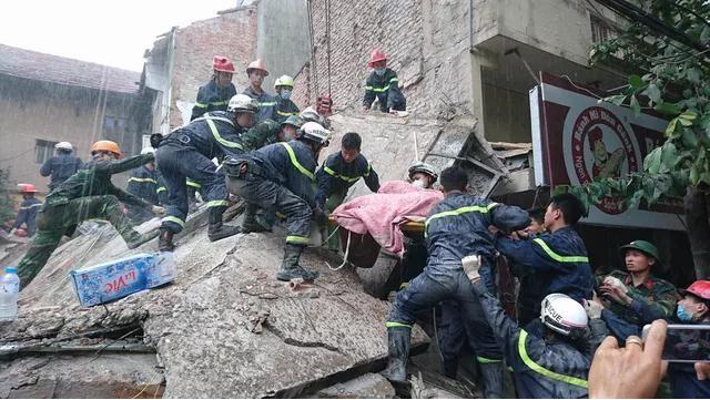 Cùng lính cứu hỏa giành giật sự sống trước tử thần ảnh 2