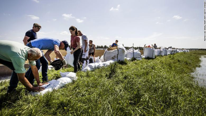 Cảnh giác cao, Hà Lan tránh được hậu quả thảm khốc của lũ lụt ảnh 1