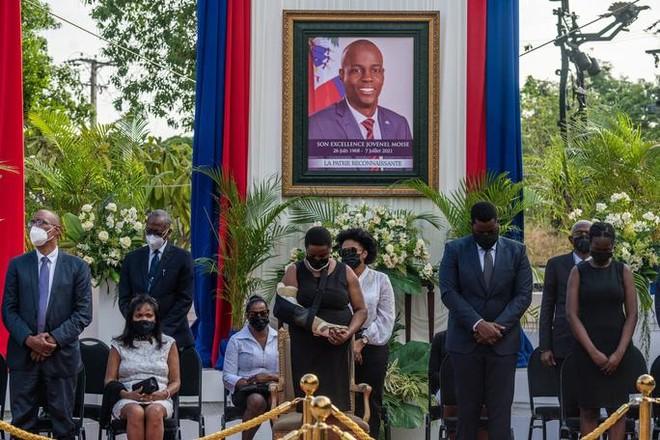 Phút giây cận kề lằn ranh sinh tử của Đệ nhất phu nhân Haiti ảnh 2