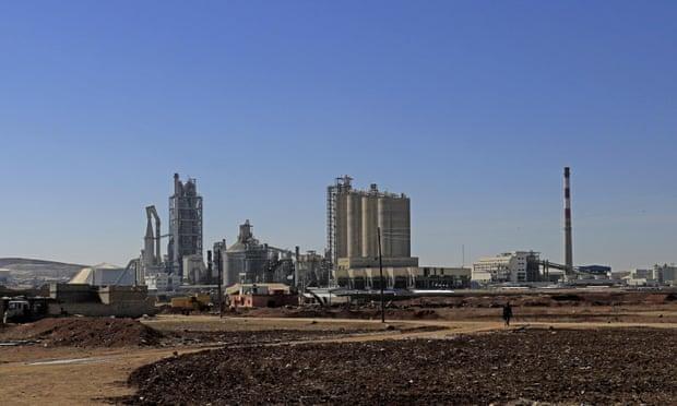 Bí mật phía sau nhà máy xi măng bị cáo buộc giao dịch với IS ở Syria ảnh 2