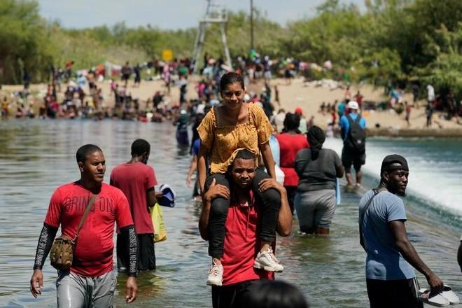 Động cơ khiến hàng nghìn người di cư Haiti ào ạt đổ sang nước Mỹ ảnh 1