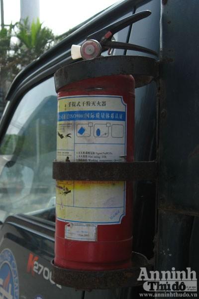 Cháy xe chở gas..., bình đâu ra mà chữa (?!) ảnh 12