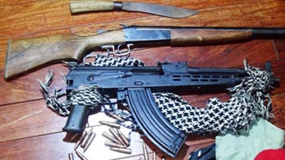 """""""Kho"""" súng ống, ma túy trong nhà đối tượng lưu manh"""