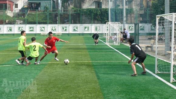 Giao hữu bóng đá, thắt chặt đoàn kết ảnh 3