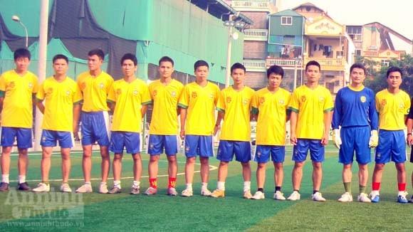 Giao hữu bóng đá của tuổi trẻ CAP Cửa Đông ảnh 1