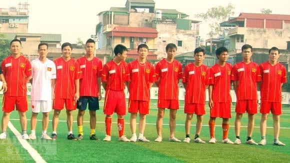 Giao hữu bóng đá của tuổi trẻ CAP Cửa Đông ảnh 2